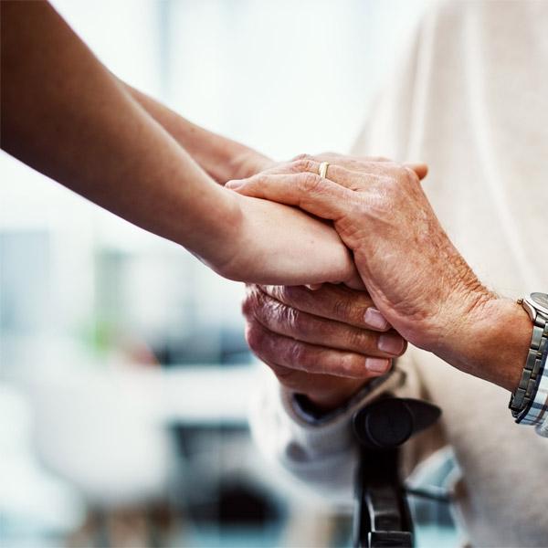 Cuidados Auxiliares Enfermeros A Personas Con Enfermedad De Alzheimer